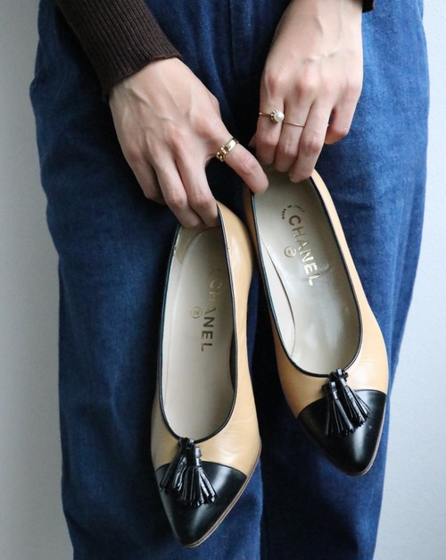 CHANEL bicolor tassel shoes