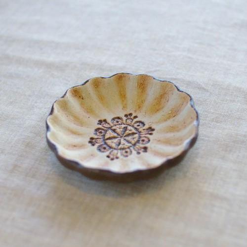 輪花豆皿(チョコ)