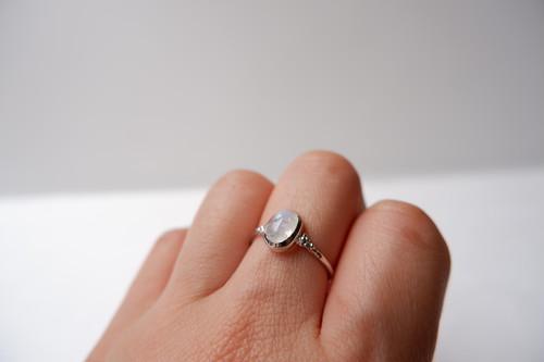 【1点物】 White Labradorite ring