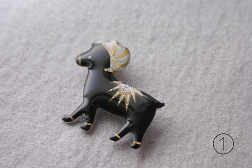 Bighorn sheep brooch  2colors