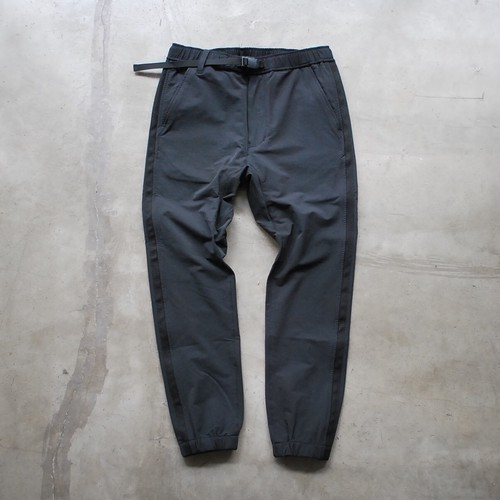 White Mountaineering SLIM JOGGER PANTS