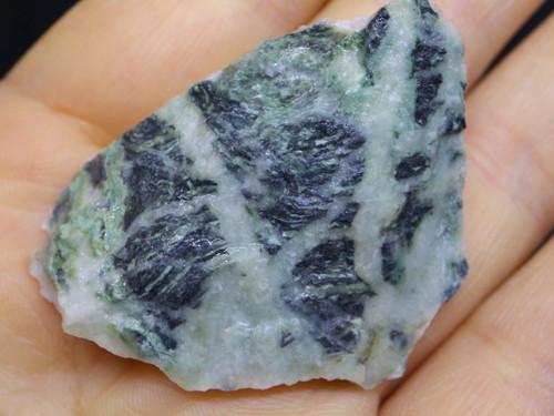 希少! カリフォルニア産  硬玉 翡翠 原石 ジェダイト 19,4g JDT001