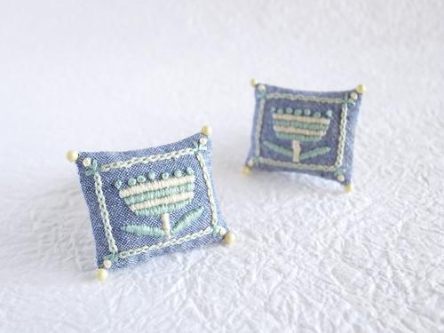 ボタニカル刺繍クッションブローチ(ボーダーフラワー/ペールシトラス)