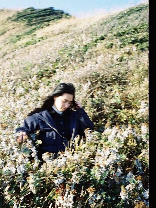 小林真梨子 写真集『ふれる、ゆれる。』