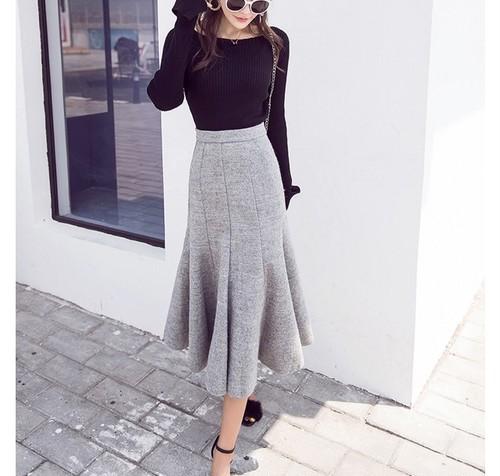 light gray simple skirt (b_2)