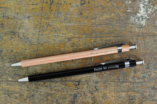 「Papier ist geduldig」木軸ボールペン