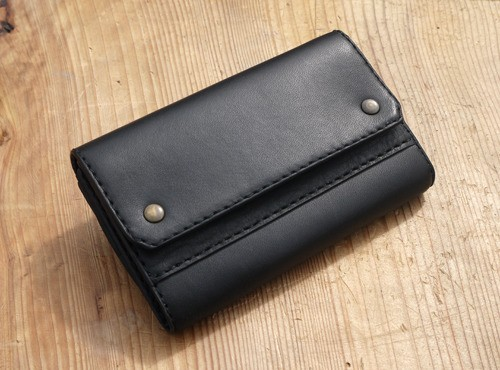 Middle wallet 1