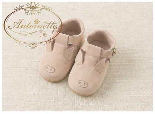 baby shoes 赤ちゃん シューズ ベビーシューズ 海外 子供用 キッズ シューズ 日本未上陸 海外ハイブランド 高級ブランド davebella kids  動物園コーデ  pig shoes こぶたちゃん