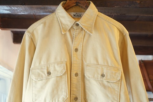 "70's WOOLRICH camel cotton Shirt ""Made in U.S.A."""