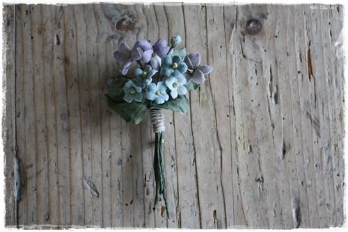 勿忘草とスミレの布花ブローチ