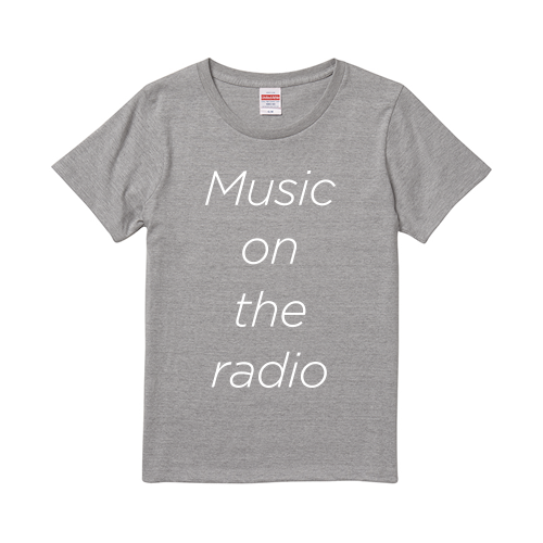 Music on the radio Tシャツ