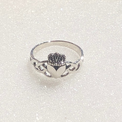 RING - claddagh ring-