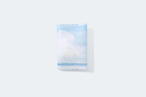 夏空と海を描いた、ブックカバー