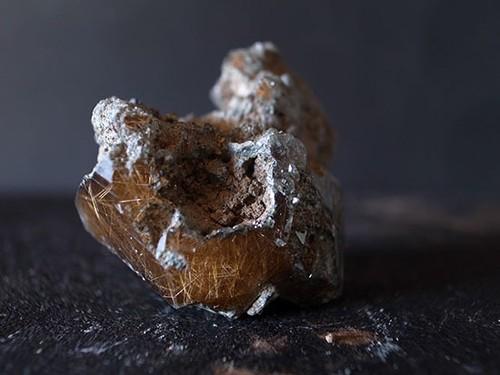 マニハール産 ヒマラヤ水晶 ルチルクオーツ ポイント