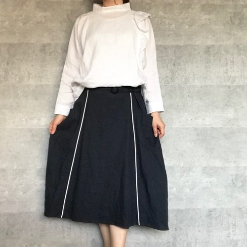 パイピングフレアスカート・ネイビー/LILI-ANE