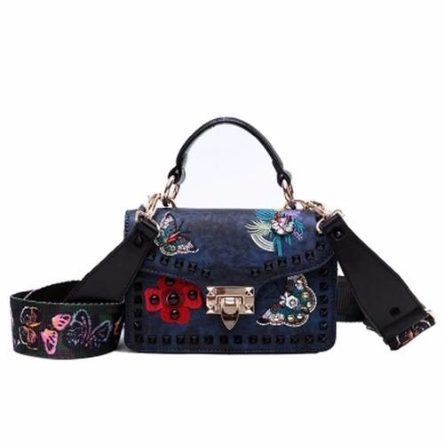 Wide Strap Rivet Shoulder Bag Crossbody Bag Embroidery Handbag 刺繍 ショルダーバッグ クロスボディ ハンドバッグ ワイドストラップ (FO99-2900063)