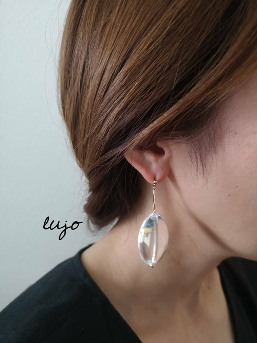 oval clear ピアス