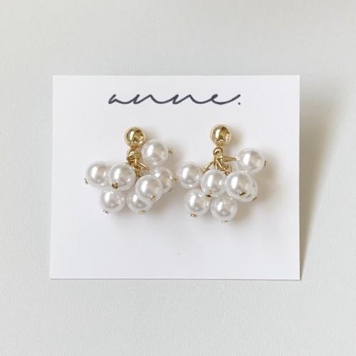 bloom pearl earring