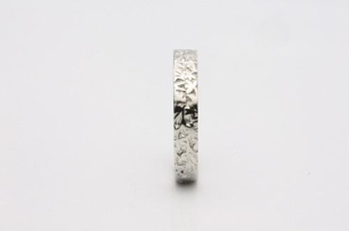 草花の模様入り 華-4 PT900