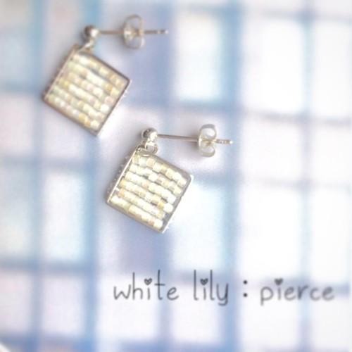 white lily:pierce,earring