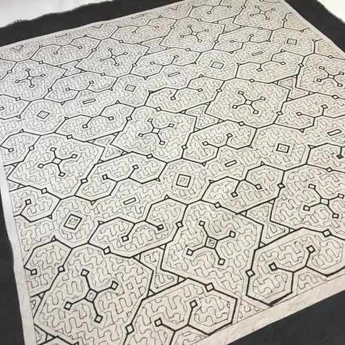 アマゾンの泥染め布 中型白60-001 63x67cm