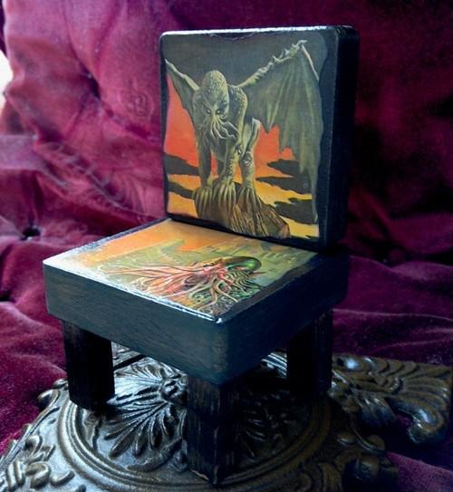 クトゥルフのミニチュア椅子 【クトゥルフ神話】
