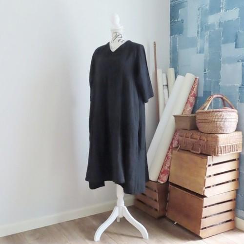 チェンマイ ダブルガーゼの裾切替え7分袖ワンピース 黒