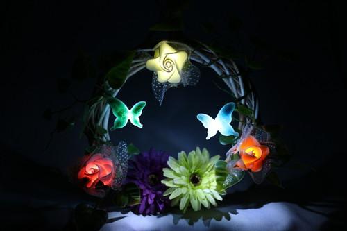 造花のリースライト 五色