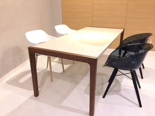 キズ・汚れに強い 160 美光沢テーブル【WN脚】