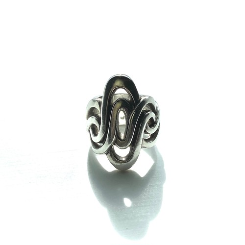 Knot Ring/結びモチーフのリング