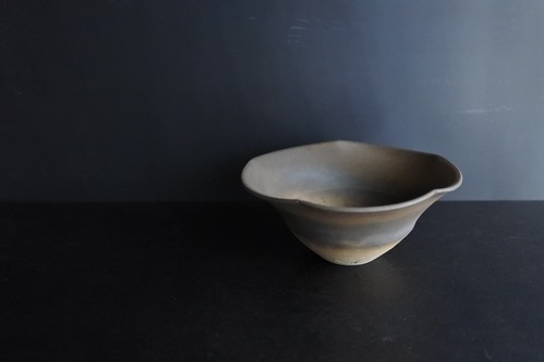 荒賀文成 焼〆五寸輪花鉢