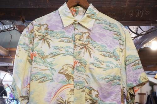 90's GUESS nostalgic Hawaiian rayon s/s Shirt