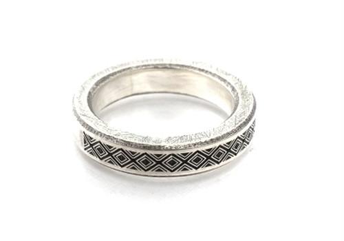 b-rogo engraving Ring [cut off]