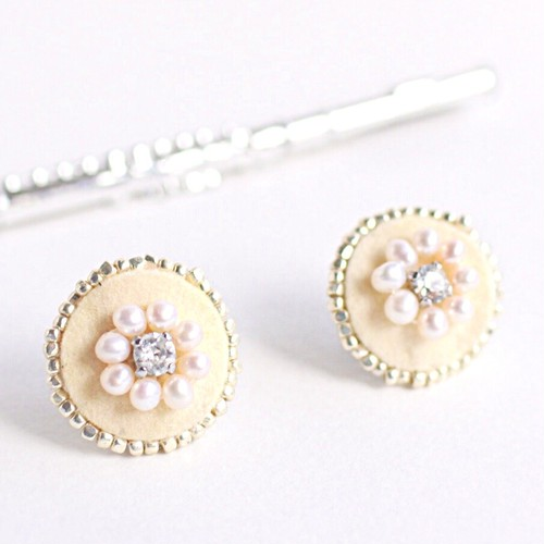 フルートのキーパッドのビジューイヤリング (CHP : M) Flute key pads  earrings with pearls and Swarovski (M)