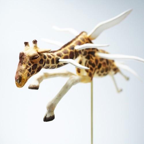 飛ぶキリン/彫刻 塑像