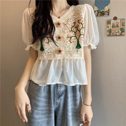 レディース 可愛い オシャレ ラウンドネック ふんわり袖 刺繍 花柄 トレンド Tシャツ・トップス