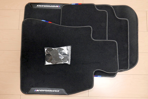 (正規輸入品)BMW ///M PERFORMANCE ニュー5シリーズ G30 G31 F90M5用フロアマット 右ハンドル用