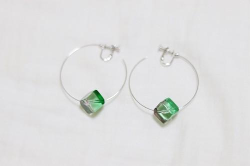 【数量限定】  2 color cube wire earring