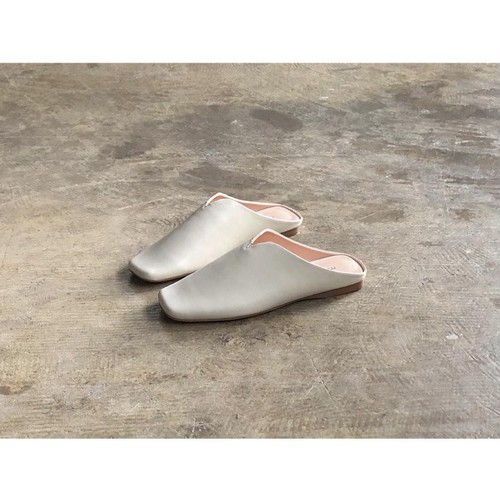 MOHI(モヒ) Square Toe Smooth Leather Babouche