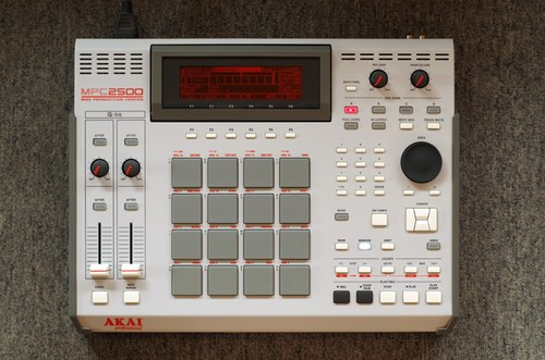 "【受注生産 (build to order)】MPC2500 ""101"" custom by ghostinmpc (128MB RAM, 80GB HDD)"