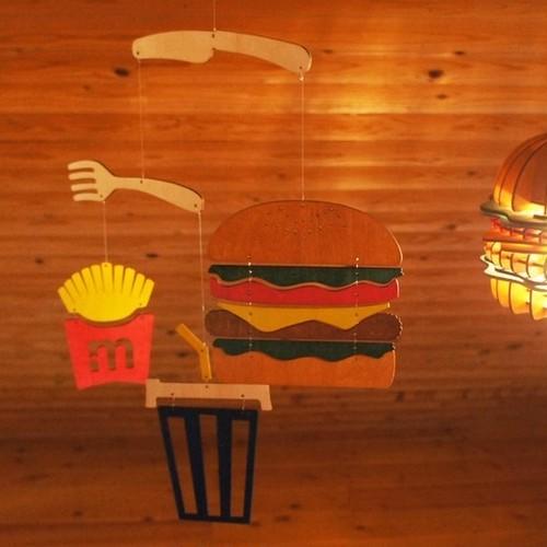 「ハンバーガー」木製モビール