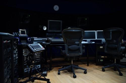 音楽プロデュース業務委託契約書