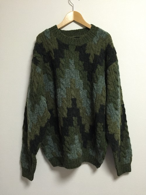 90's cable knit sweater