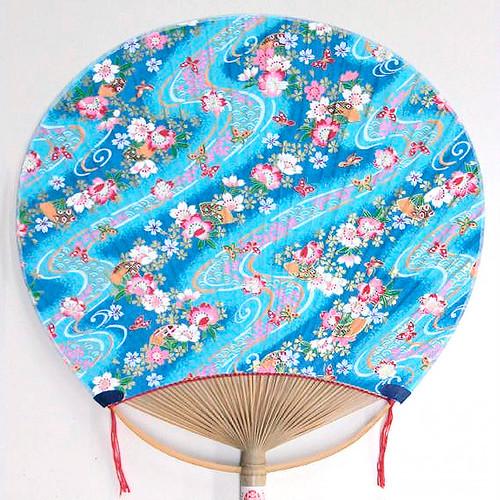 香るうちわ(中)水色地に桜と扇子 KA-03