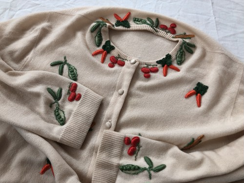 AMERICA 1950's‐1960's Cashmere 100% embroidery knit cardigan