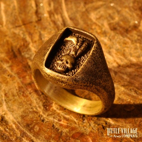 """Vulture & Skull"" Ring / Brass"