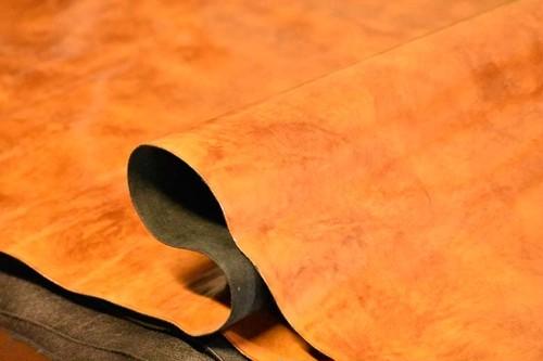 【アウトレット】鞄、革小物に最適!!経年変化が面白い艶出しプレスレザー