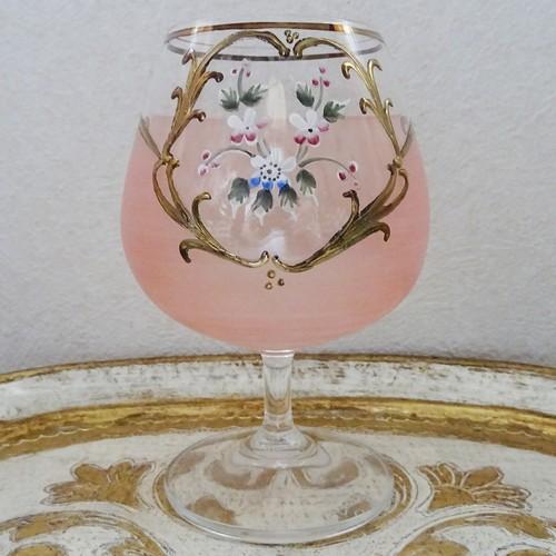 チェコスロバキア フラワーモチーフ サーモンピンクのグラス