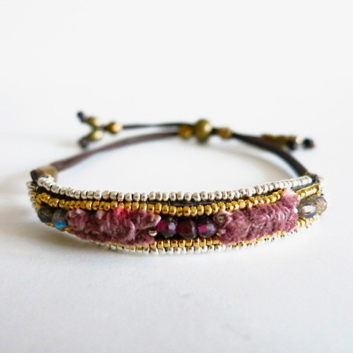Silk Threads Bracelet 3028