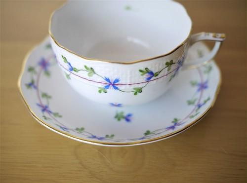 ヘレンドHEREND ティーカップ&ソーサー 小さな矢車菊の花綱飾り ブルーガーランド